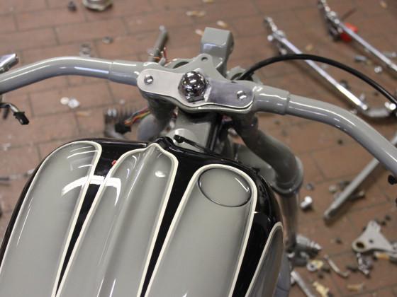 VN800 Springer Bobber